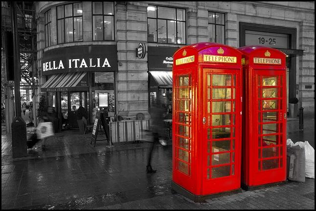 Torino e Londra rottamano le cabine, Parigi e Vienna le convertono per accedere ad internet