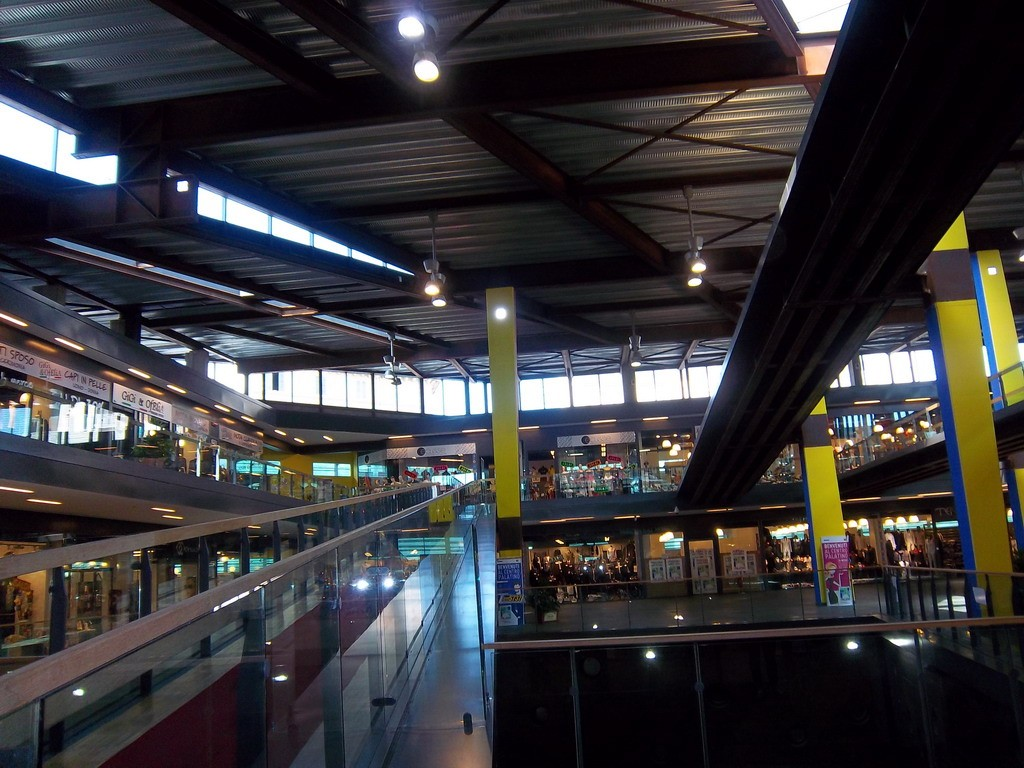 Centro Palatino Torino: centro commerciale disegnato da Fuksas