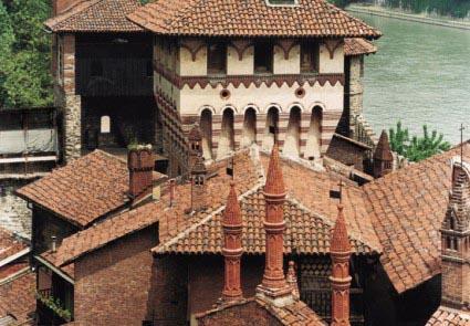 Il demone buono e il demone cattivo del Borgo Medioevale