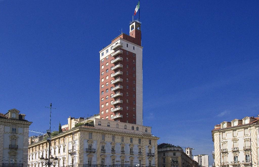 La Torre Littoria Torino: Ël dil dël Dus