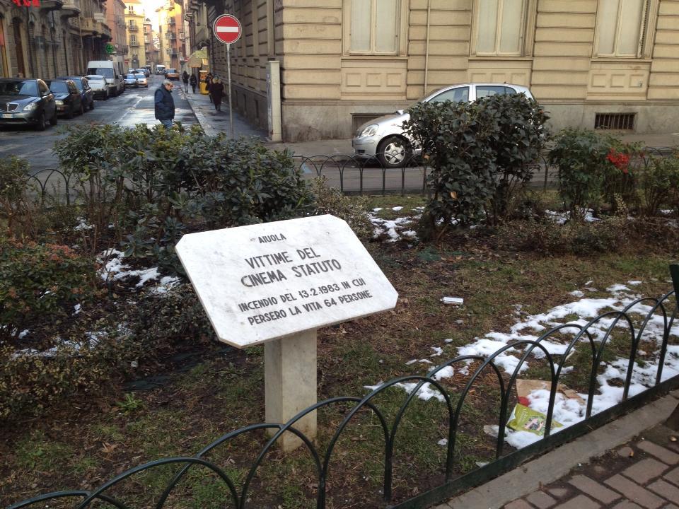 lapide incendio cinema Statuto Torino