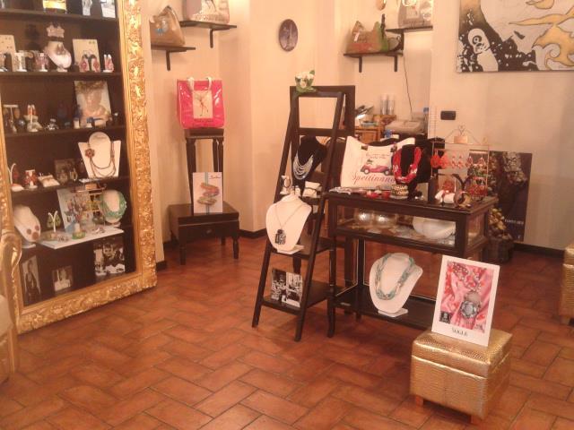 Les True Follies Torino Crocetta