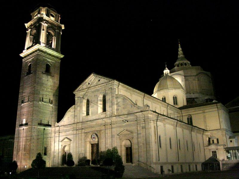 Sacra Sindone, per molti secoli ospite di Torino