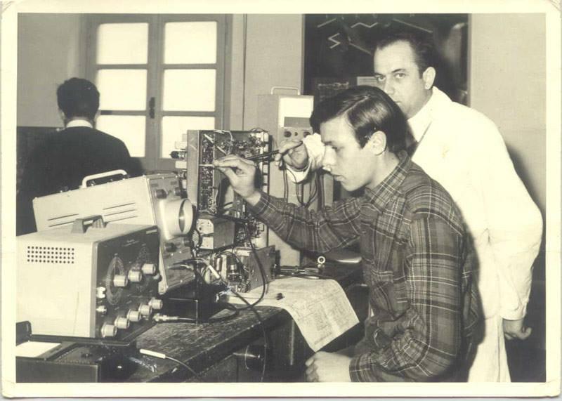 Dalla Scuola Radio Elettra alla Cepu: la storia dei corsi per corrispondenza nasce a Torino
