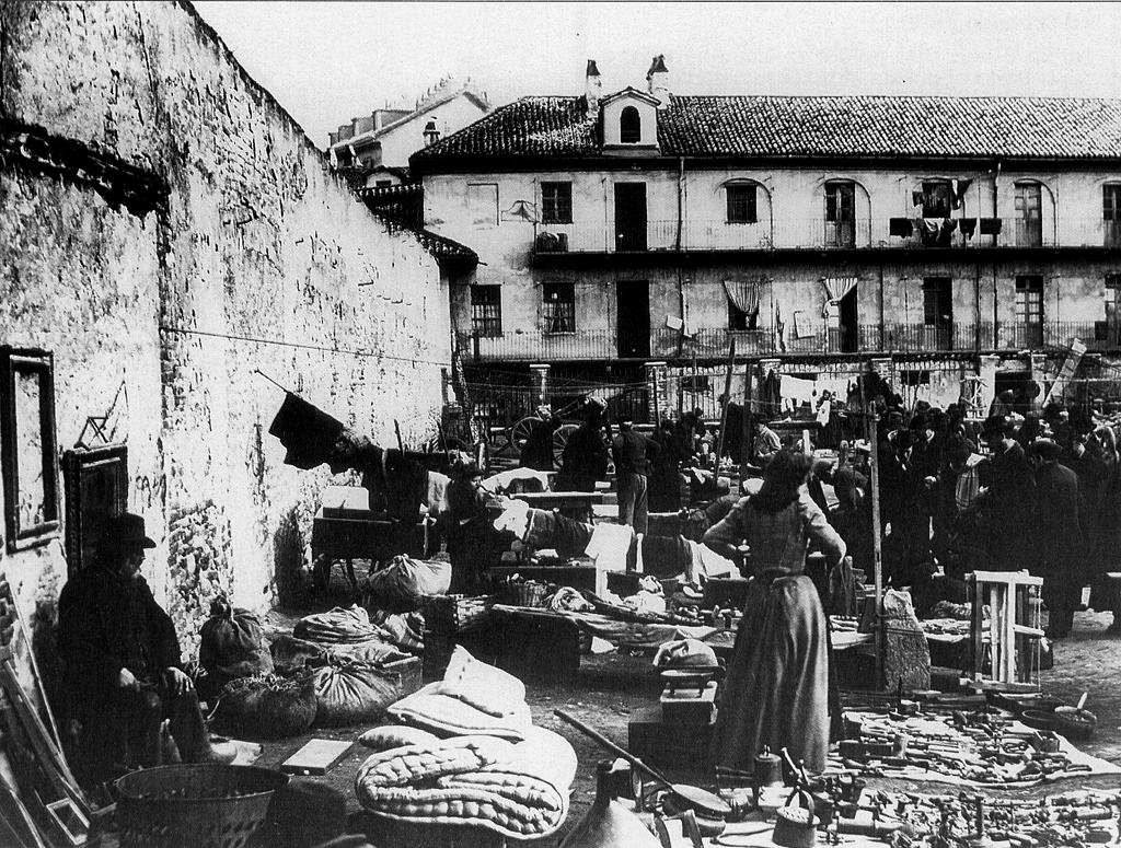 Balon, un mercato ed un pallone aerostatico di Torino