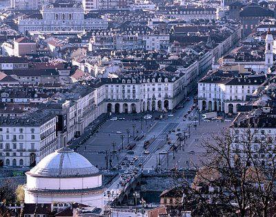 Piazza Vittorio Veneto: l'anima sonnambula e assonnata di Torino.