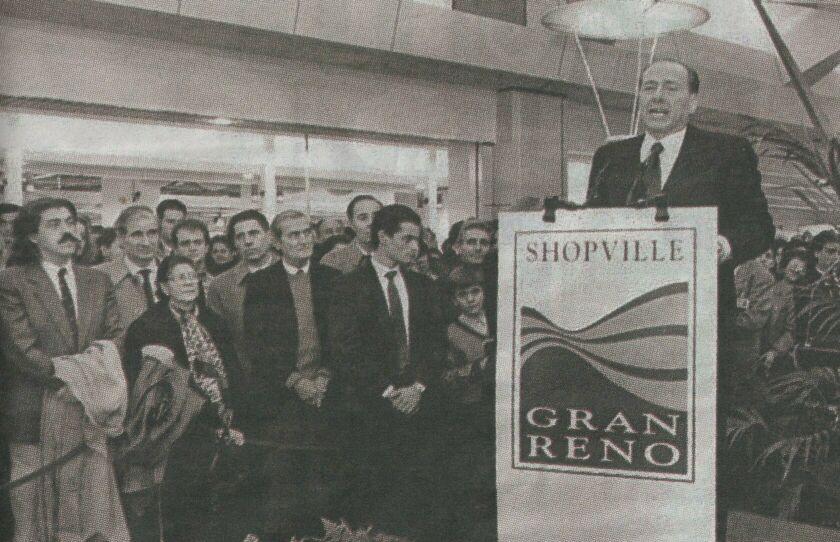 9 dicembre 1993, apriva il centro commerciale Le Gru Torino
