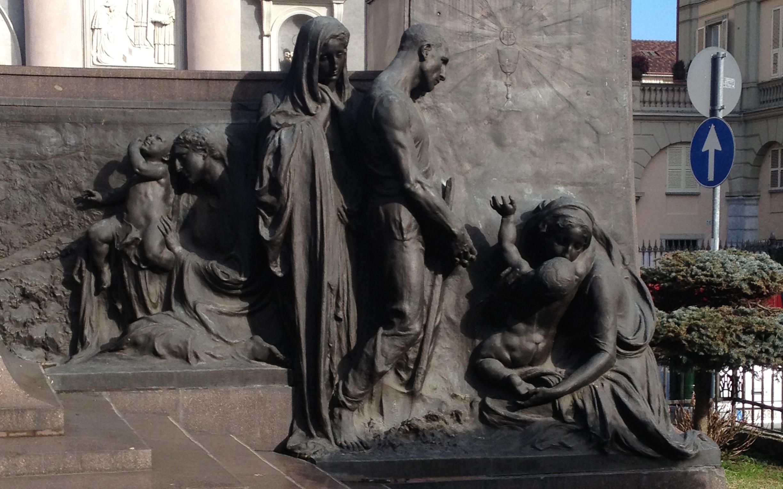Anche la statua di Don Bosco compie un secolo