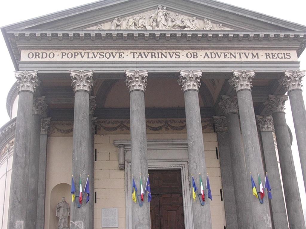 Nel 1814 tornano i Savoia e Torino gli dedica La Gran Madre