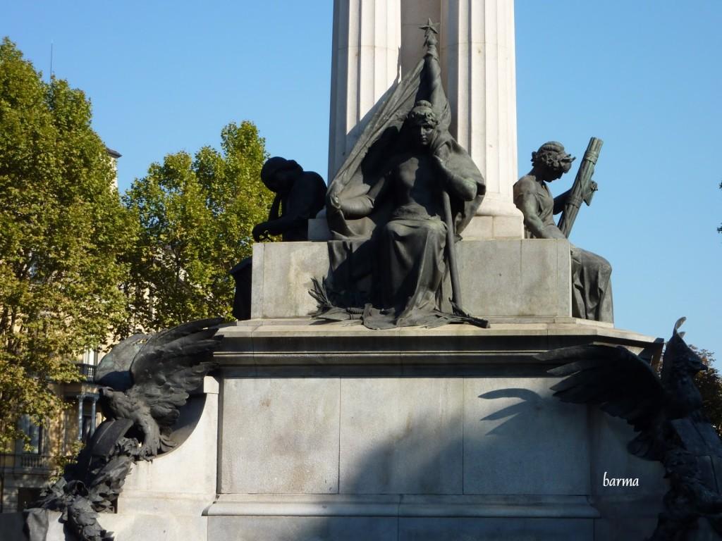 9 settembre 1899: monumento a Vittorio Emanuele II [fonte meiramarinmartin.blogspot.com]