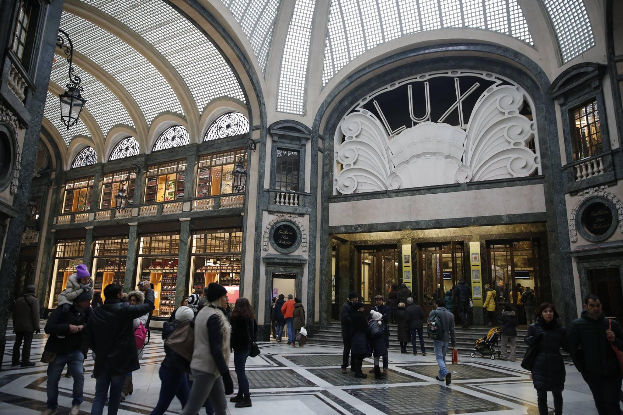 La Credenza Torino Galleria San Federico : Fiorfood si rinnova la galleria san federico mole