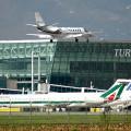 Allarme bomba a Caselle: evacuato l'aeroporto Sandro Pertini