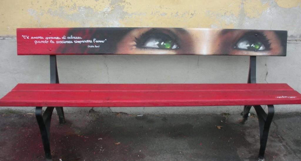 4 chiacchiere con Karim Cherif, l'artista delle panchine rosse contro la violenza sulle donne