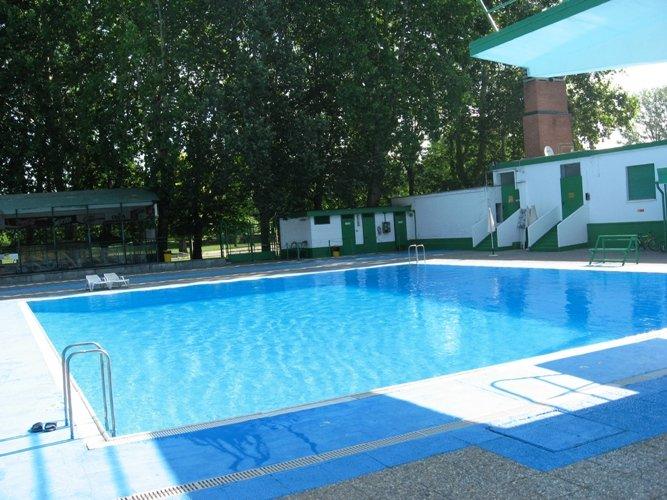 Le piscine aperte a Torino durante l'estate 2016