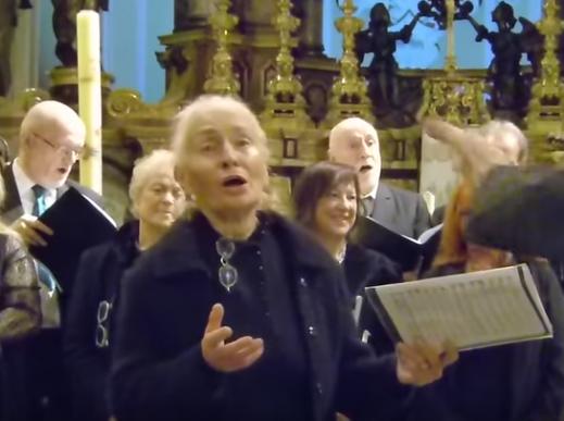 Torino, la 80enne Fausta diventa una star del web con la sua voce