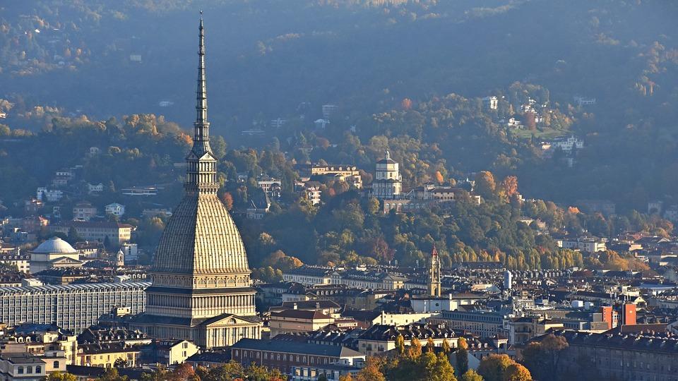Meteo, a Torino settimana nuvolosa e temperature quasi primaverili