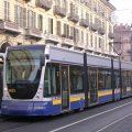 Torino, i tram più veloci e numerosi grazie ai semafori sempre verdi