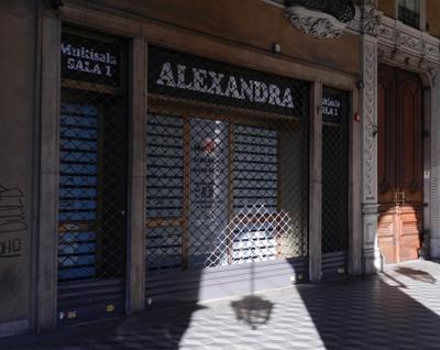 Arriva il Cirko Vertigo in via Sacchi: prende il posto del cinema porno Alexandra