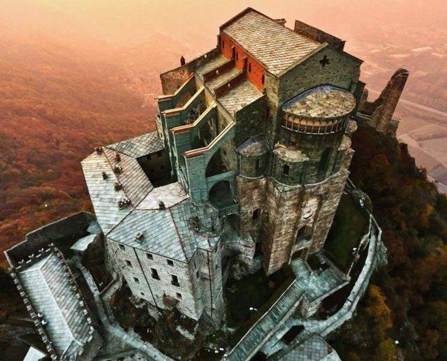 La Sacra di San Michele tra i 10 luoghi più misteriosi d'Italia
