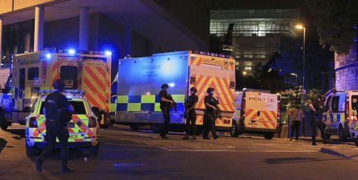 Strage di Manchester: Ariana Grande sospende il tour, niente Torino