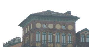 La casa con 12 finestre su Torino: la Torretta di Corso Fiume.