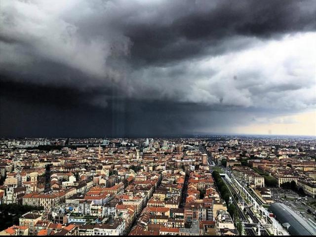 Meteo, a Torino serate di pioggia: da venerdì torna l'anticiclone nordafricano