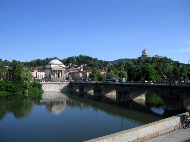 Meteo, a Torino tempo instabile per tutta la settimana: si inizia con la pioggia, ma torna subito il caldo africano