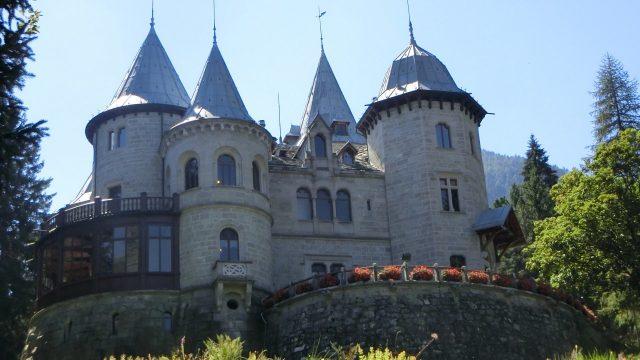 Castel Savoia: la magica dimora a novanta minuti da Torino