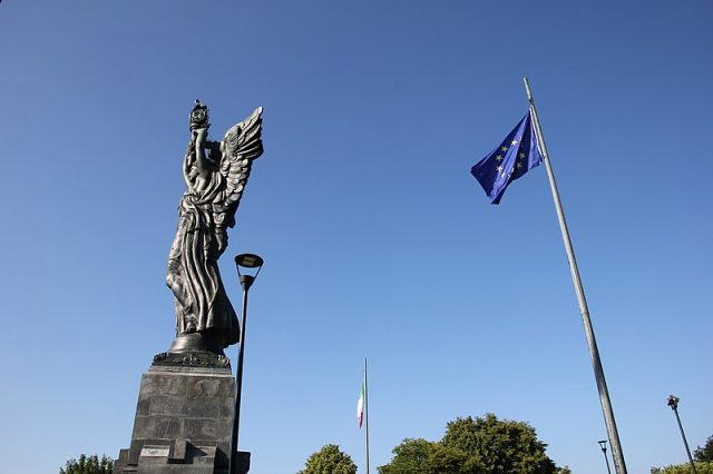 Faro della Vittoria: simbolo del Parco della Maddalena