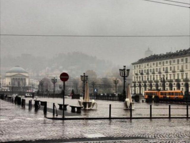 Meteo, a Torino temperature in picchiata con l'ondata di freddo: rischio di deboli nevicate a bassa quota