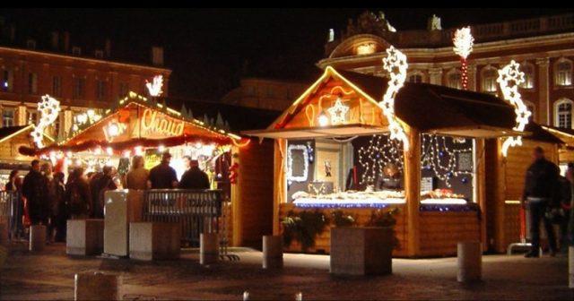 I mercatini di Natale di Torino aprono oggi: la magia delle feste invade la città