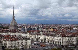 Meteo, a Torino un'altra settimana di tempo instabile: si parte con il sole, la pioggia attesa nel week end