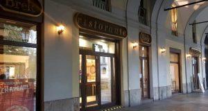 Chiude il Brek in piazza Carlo Felice: è stato il primo punto vendita ad aprire a Torino
