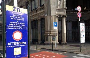 Nuova Ztl a Torino, in arrivo stalli con i sensori e un'app che segnala i parcheggi liberi