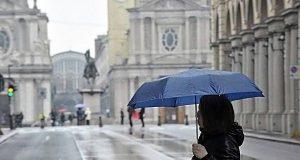 Meteo, a Torino maggio si traveste da novembre: freddo record, non accadeva dal 1991